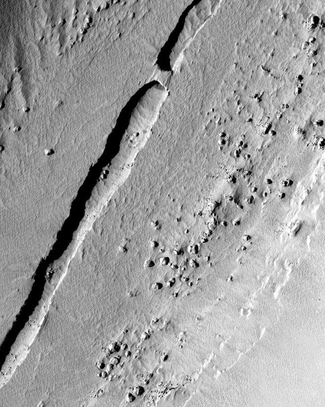 mars-lava-tube-mro